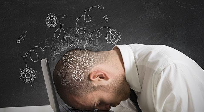 Jak radzić sobie z nudą w pracy?