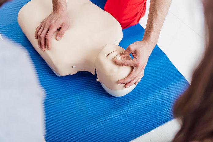 Jak znaleźć kurs doskonalący dla ratowników medycznych