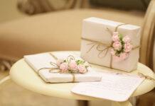 Pakowanie prezentu na ślub